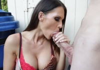 Jennifer Dark scopata dal sexy vicino